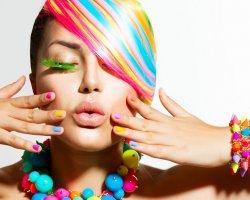 Разноцветный маникюр: праздник каждый день