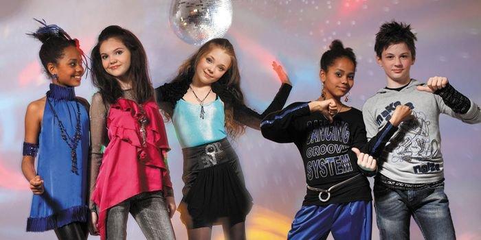 Веселые новогодние конкурсы и игры для подростков в школе