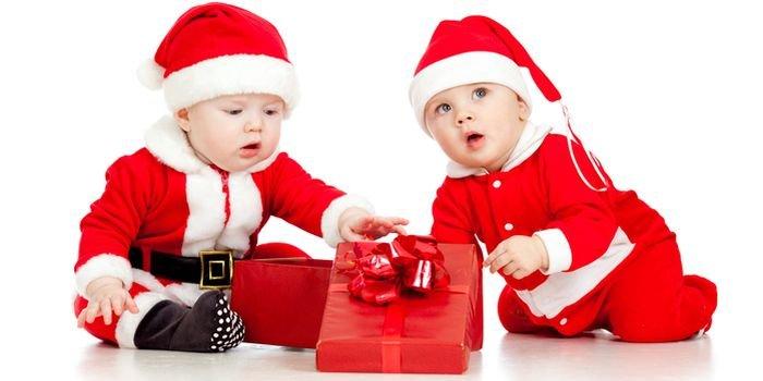 Очаровательные малыши: идеи новогодних костюмов для самых маленьких