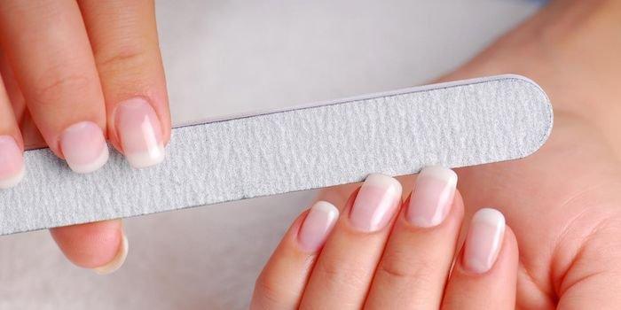 Учимся придавать ногтям красивую форму