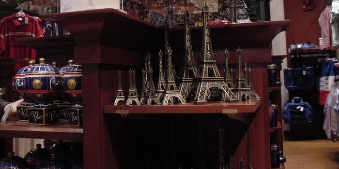Культовый шоппинг: лучшие модные магазины Парижа