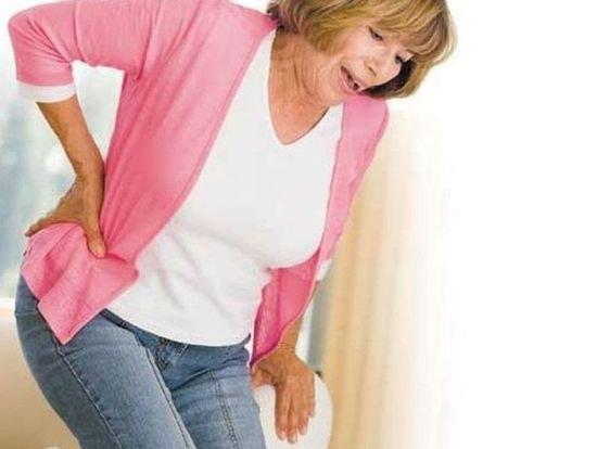 Боль в правом боку со спины на уровне талии, в области поясницы: причины