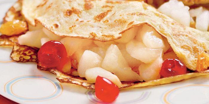 Домашние вкусности с пылу, с жару - блины с яблоками, самые интересные рецепты с фото