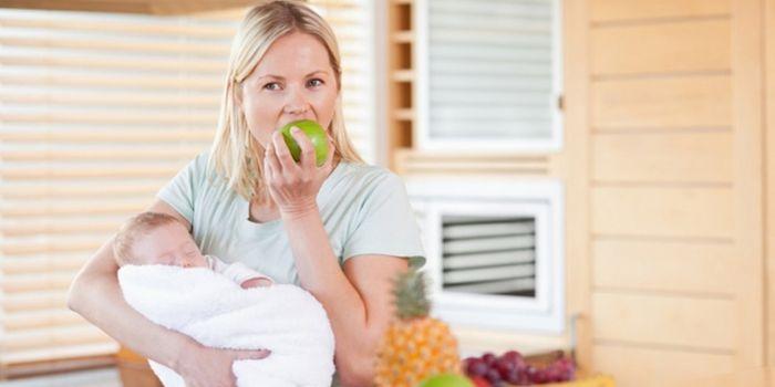 Как питаться кормящей маме? Советы диетолога