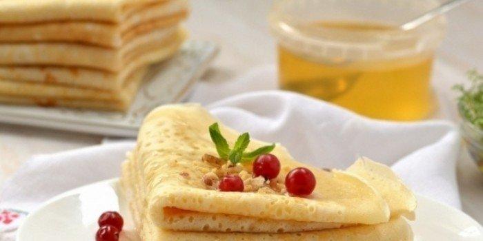 Вкусные блины на сыворотке: лучшие рецепты тонких и толстых блинчиков