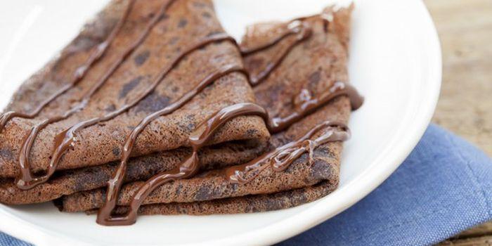 Домашний десерт для лакомок - шоколадные блины, рецепты с фото
