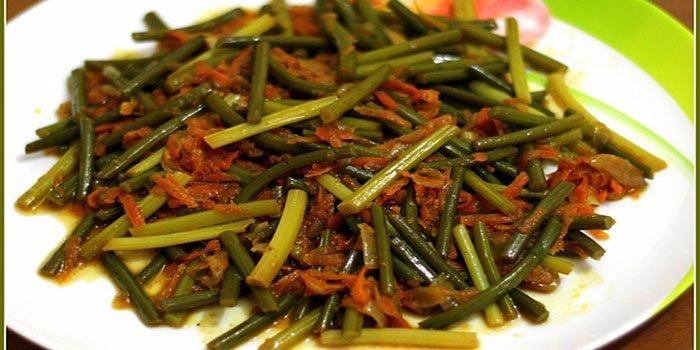 Как вкусно приготовить стрелки чеснока — маринованные, жареные, по-китайски (рецепты с фото)