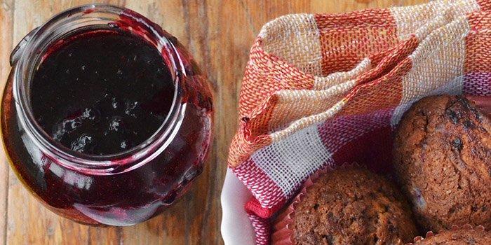 Черная смородина на зиму с сахаром и без него. Рецепты свежей черной смородины на зиму в морозильнике