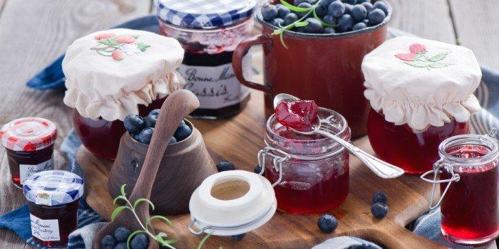 Черника - рецепты заготовок на зиму -  варенье, перетертая с сахаром, джем, конфитюр. Новый рецепт черничного сиропа для зимы