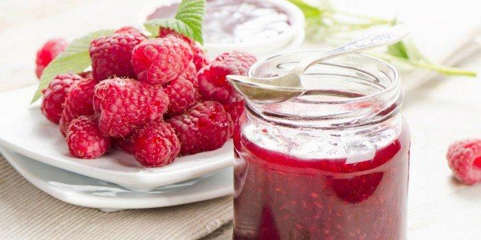 Рецепты малины на зиму - без варки, Пятиминутка, варенья, джемы. Малиновый компот и наливка для зимы