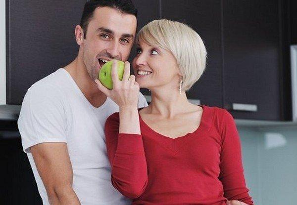 про взаимоотношения зрелых женщин и молодых парней для кого секрет