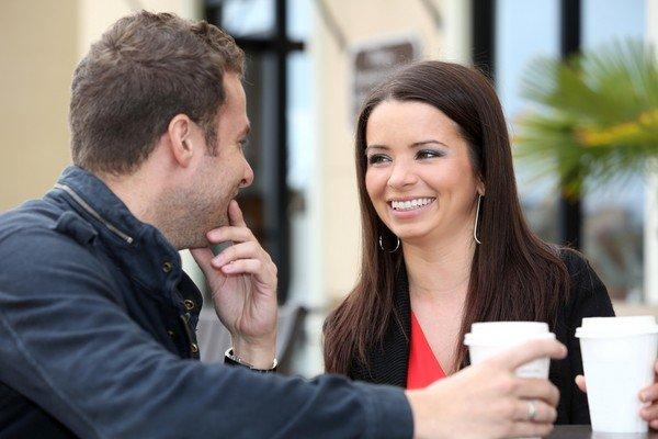 На что обращают внимание мужчины при встрече с женщиной
