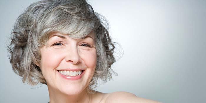 Актуальные короткие стрижки для дам от 45 лет и старше