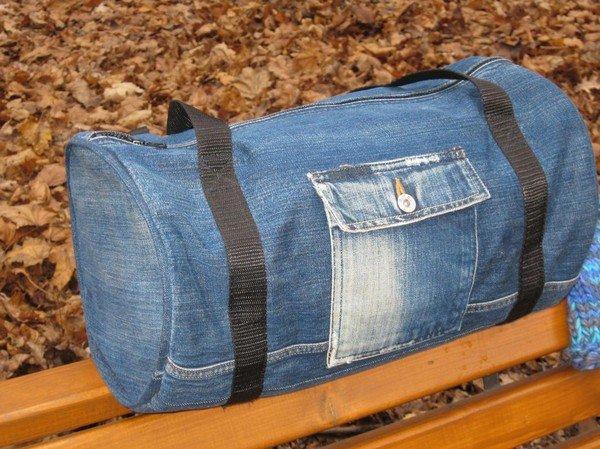 63357bc7fb92 Очевидно, джинсовые модели уместны практически в любой обстановке.  Единственное правило – аксессуар должен соответствовать общему стилю  человека и ...