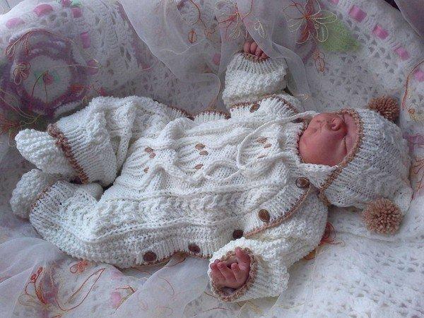комбинезон для новорожденных спицами схемы с описанием видео уроки