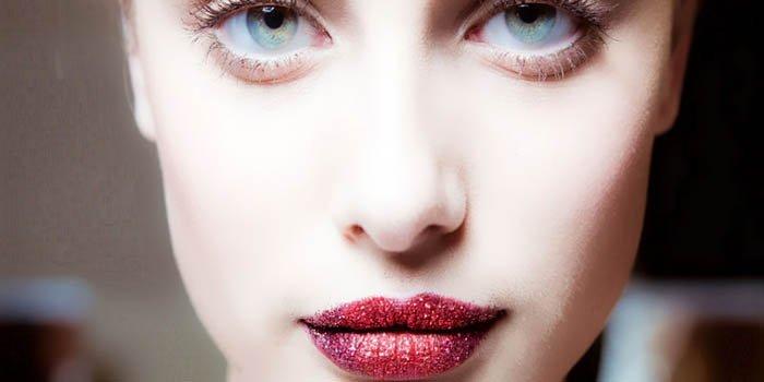 Сияющие губы – мейкап-тренд от Пэт Макграт