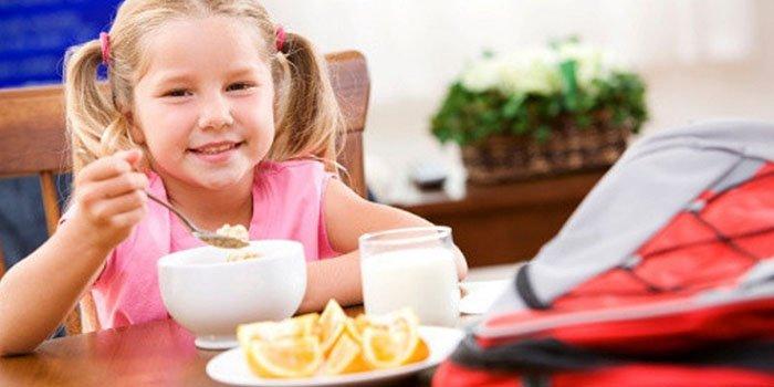 «Вкусное» утро: пять полезных завтраков для школьника