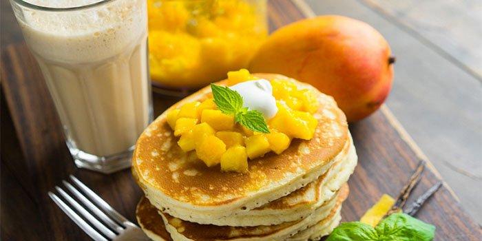 Вкусный рецепт: панкейки с манговым пюре