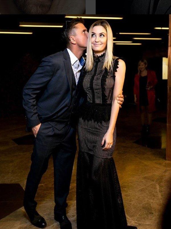 Павел Прилучный и его жена Агата Муцениеце, фото свадьбы Инстаграм, дети Прилучного
