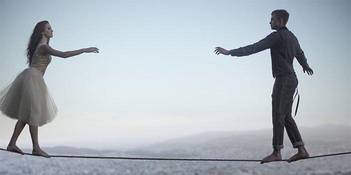 Как заставить мужчину сделать первый шаг: Урок женской провокации