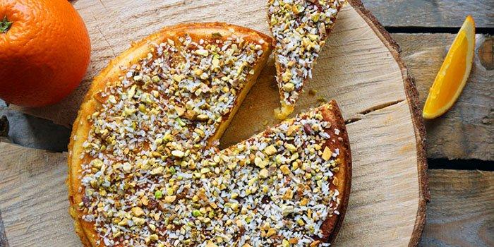 Быстрый рецепт: миндальный кейк с апельсинами и медом