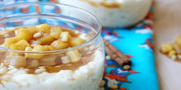 Вкусный рецепт рисового пудинга с яблочным соусом