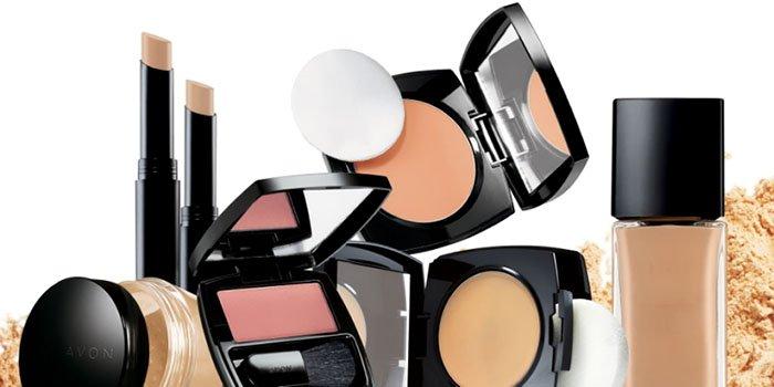 ТОП-3 средств для дневного макияжа не дороже 1000 рублей