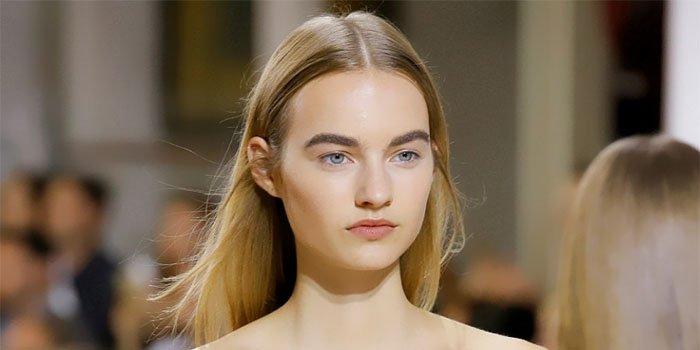 Выглядеть как знаменитость: нежный круизный макияж от Oscar de la Renta