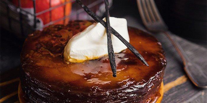 Рецепт оригинального пирога-«перевертыша» с яблоками и домашней карамелью