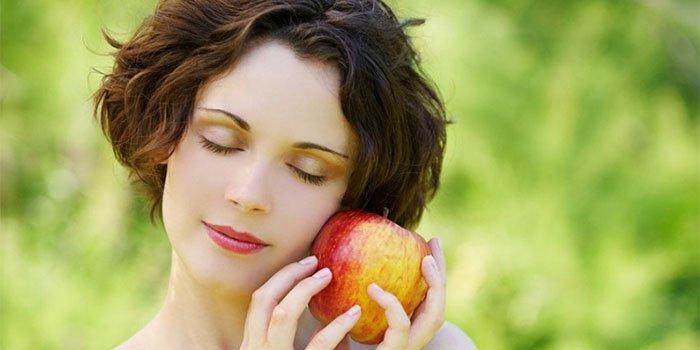Меню для чистой и гладкой кожи: 4 совета диетолога