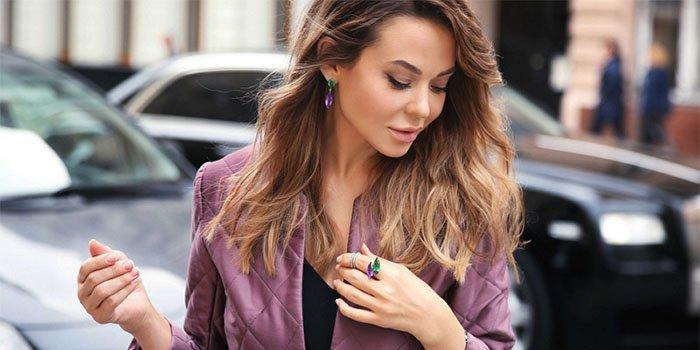Как правильно носить украшения: советы стилиста