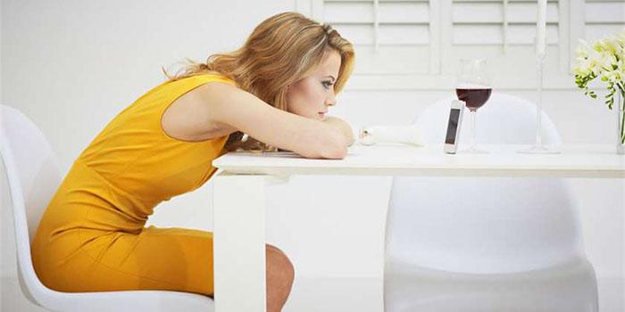Почему мужчина долго не звонит и не пишет: 8 причин и статистика в процентах