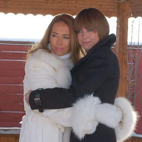 Наталью Фриске обвинили в желании стать умершей сестрой
