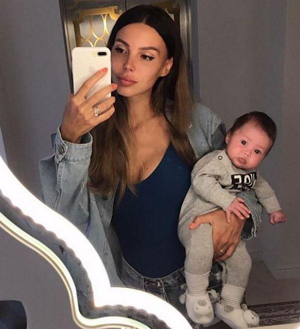 Оксана Самойлова показала редкие фото младшей дочери, которые никогда не публиковались