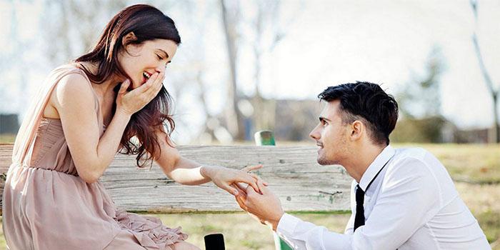 Через какое время парень должен сделать предложение выйти замуж, если