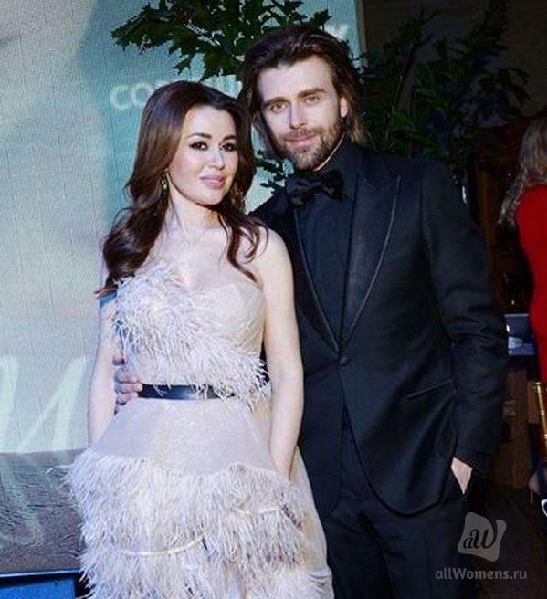 47-летняя Анастасия Заворотнюк выглядит моложе старшей дочери