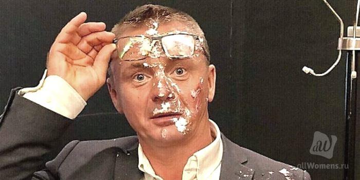 Владимир Сычёв попал в неловкую ситуацию: актёр опубликовал и сразу удалил неожиданное фото с Борисом Грачевским