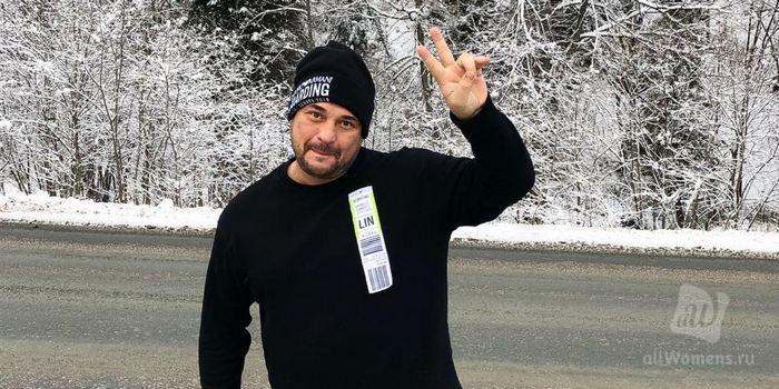 Сергей Жуков попал в пробку перед концертом: хиты «Руки вверх» пассажиры исполняли прямо в такси