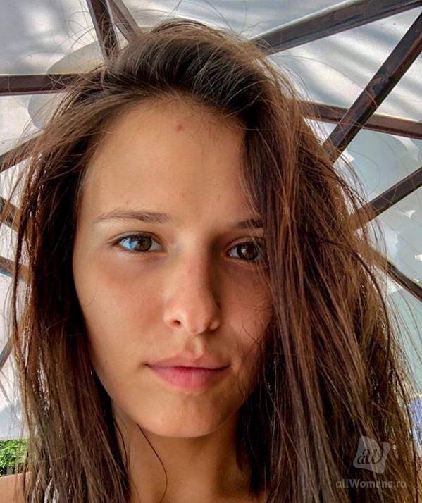 Любовь Аксёнова разместила фото без макияжа и фильтров: натуральная красота звезды «Мажора» восхитила поклонников