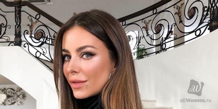 Ани Лорак разочаровала поклонников смелым нарядом: певица стала похожа на Ким Кардашян