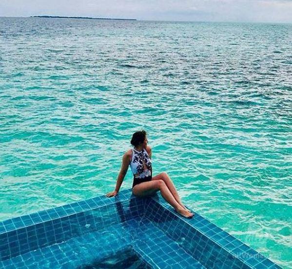 44-летняя Анна Банщикова продемонстрировала идеальную фигуру и восхитила роскошным купальником