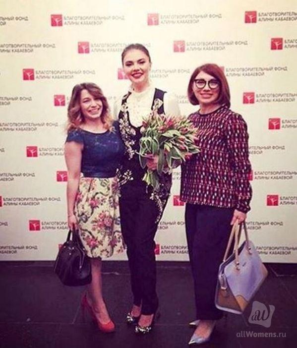 Редкое фото Алины Кабаевой и Розы Сябитовой стало поводом для скандала: фолловеры упрекнули сваху в лести