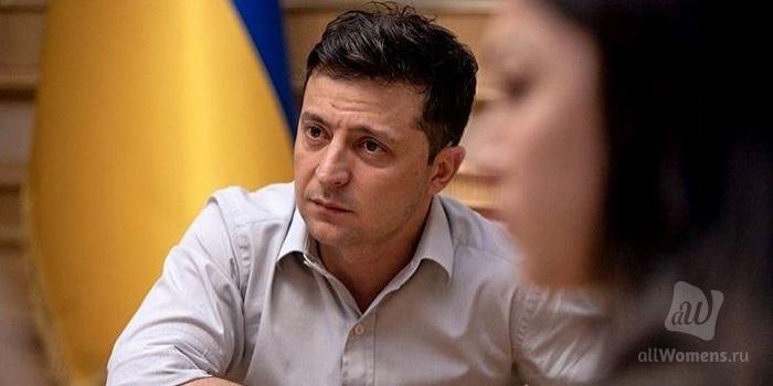 Владимир Зеленский перекусил шаурмой и заслужил уважение пользователей сети: в Instagram стартовал новый флешмоб