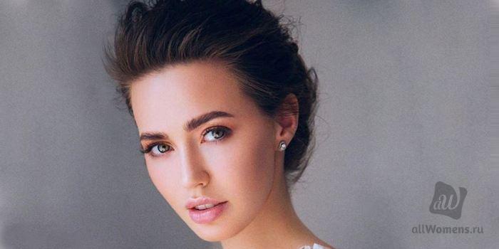 Анастасия Костенко в жизни и в Instagram: в сеть попало фото жены Дмитрия Тарасова без ретуши