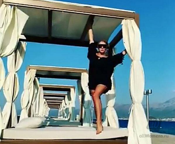 Екатерина Одинцова рассказала, как увеличить ноги без фотошопа: 46-летняя экс-любовница Бориса Немцова продемонстрировала эффектные фото с отдыха