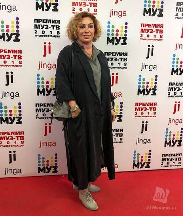 Симона Юнусова стала модельером: Мама Тимати создала коллекцию одежды в стиле «хиппи»
