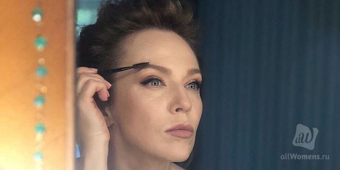 Альбина Джанабаева рассказала о своём отношении к макияжу: певица предпочитает естественность