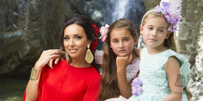 Редкие фото Алсу с мужем и детьми: снимки свадьбы, дочерей и сына