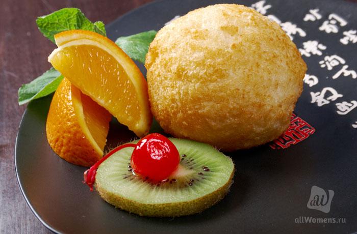 Экзотический десерт: 3 рецепта жареного мороженого