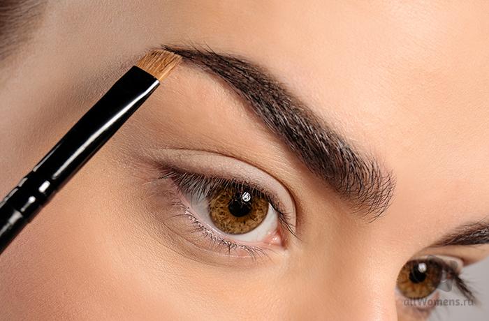 Как сделать брови идеальными: три главных секрета визажистов